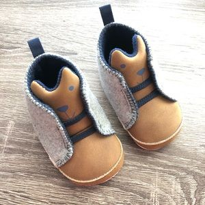 Carters 3-6 Month Booties W/ Bear Face Tongue